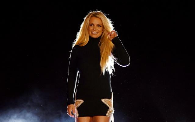 Britney Spears solicita una orden de alejamiento contra su antiguo mánager