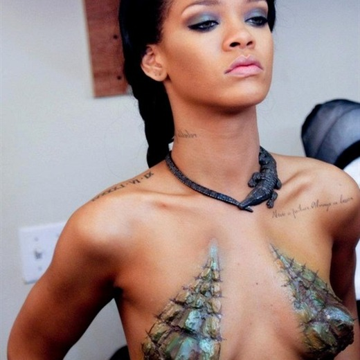 Rihanna publica fotos de el making of de Where Have You Been