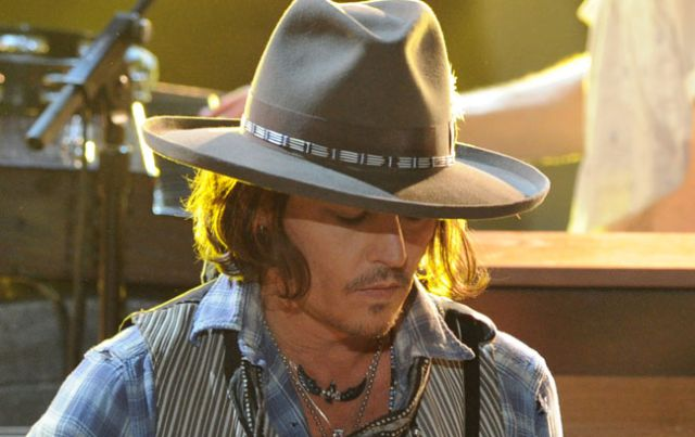 Johnny Depp comparte escenario con Aerosmith
