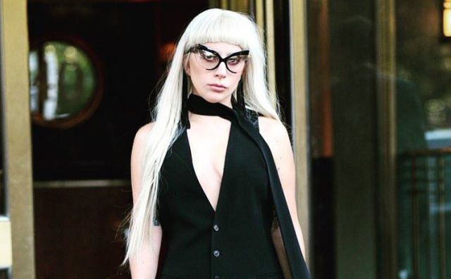 Lady Gaga lanza desgarrador video de su sencillo 'Til it happens to you'