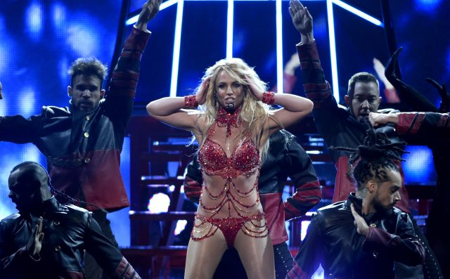 Critican la presentación de Britney Spears en los Billboard Music Awards