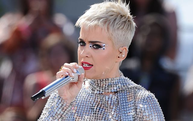 Katy Perry lanza el video de 'Swish Swish'