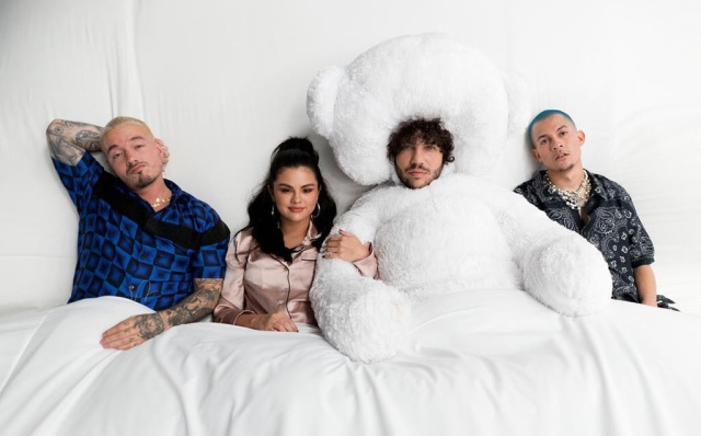"Benny Blanco, Selena Gomez, J Balvin y Tainy estrenan el video de ""I Can't Get Enough"""