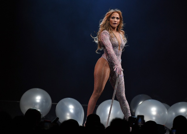 Jennifer Lopez no descarta actuar en el intermedio de la Super Bowl